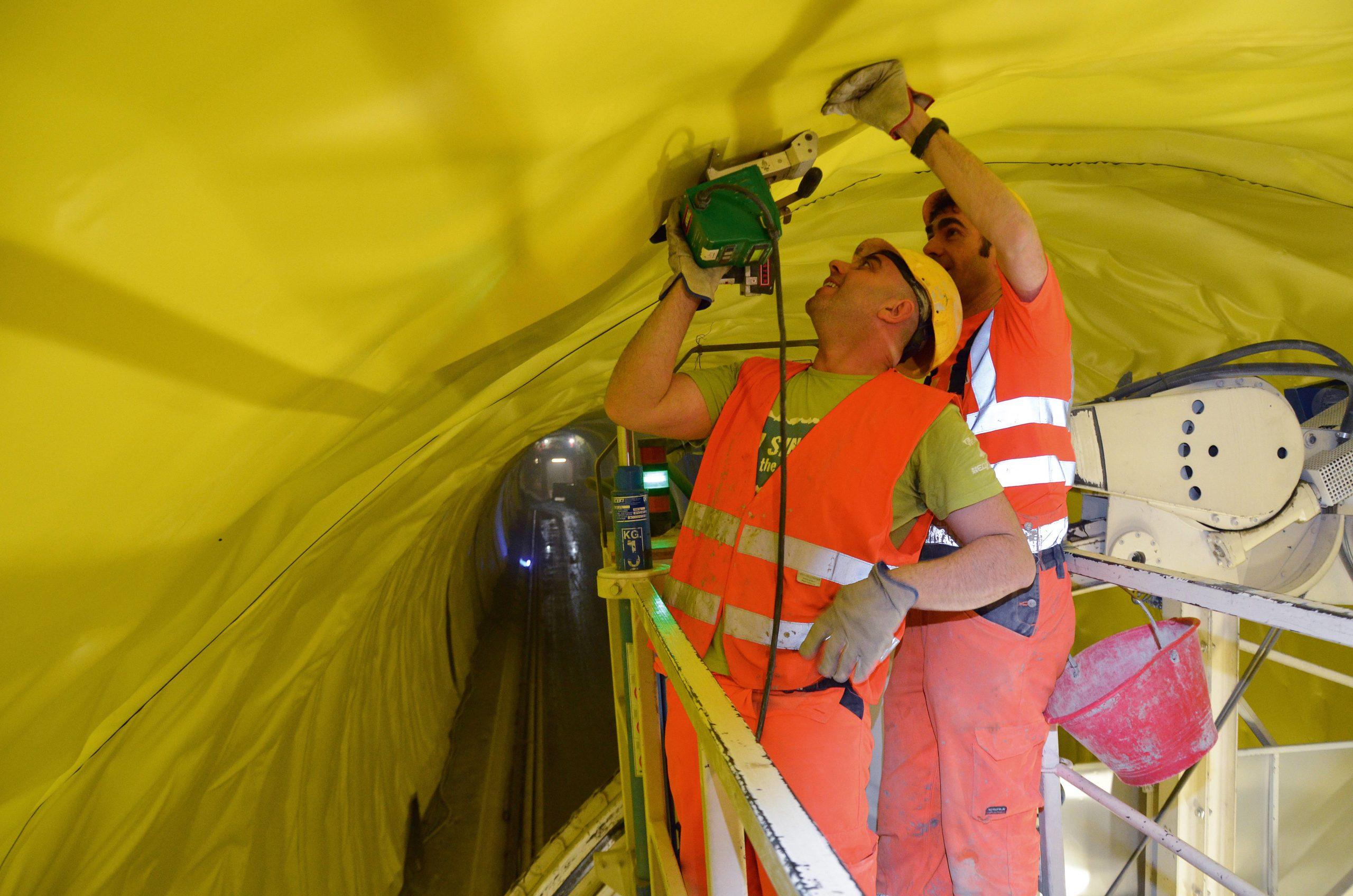 Leister Twinny T do tuneli