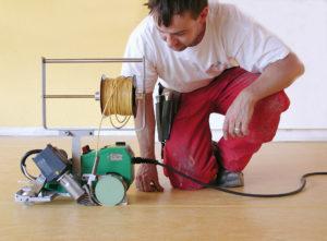Spawarka do wykładzin podłogowych / Automat do spawania wykładzin LEISTER UNIFLOOR E
