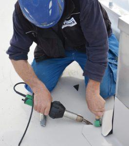 Leister Triac ST zgrzewanie membrany na dachu