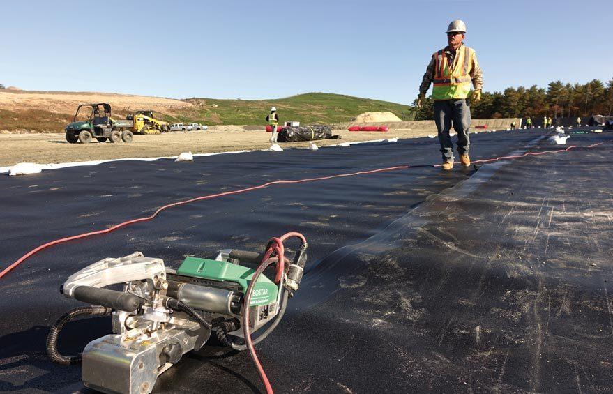 Budownictwo ziemne: zgrzewanie membran i folii geoizolacyjnych
