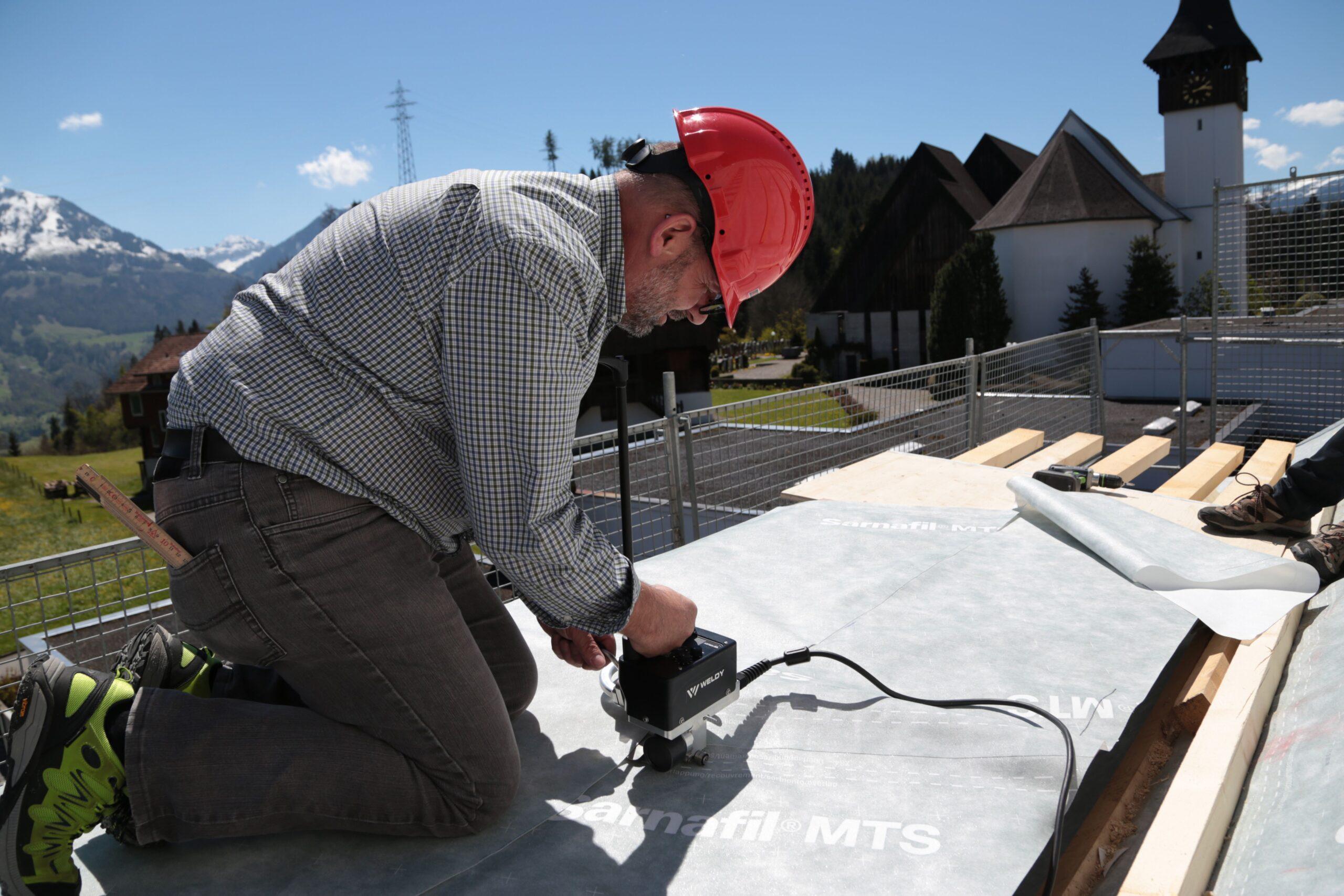 Weldy miniwelder roof2 na dachu